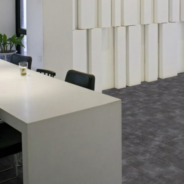 0374-parker-station-creation-30-clic-gerflor-effetto-minerale
