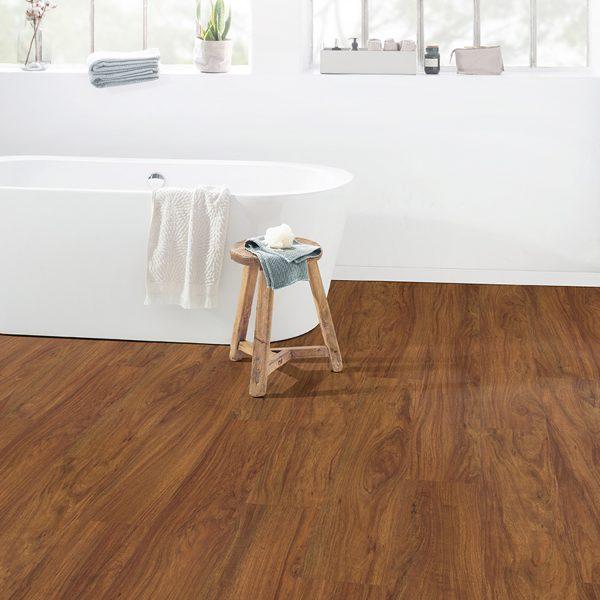 Egger Aqua+ Rovere Wood Marrone 8/32 Classic